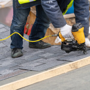 ottawa roofing contractor installs shingles