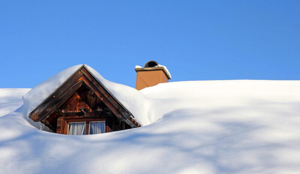 snow on ottawa roof